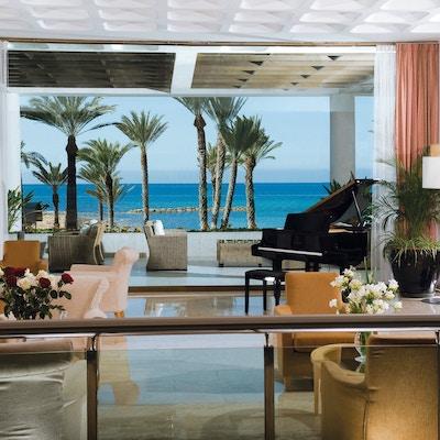 03-1-pioneer-beach-hotel-lobby
