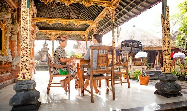 Bali Rumah Desa Cooking Class terasse mennesker