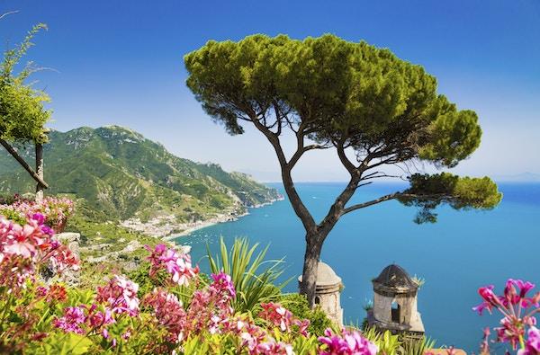 Istock 000052750982 Amalfi Campania Italia