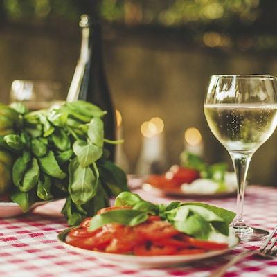 Istock 39660352 Vin Prosecco Valdobbiadene Veneto Italia