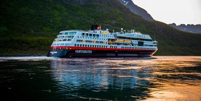 Received 10152980780057066 4000292 Hurtigruten Ms Trollfjord