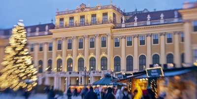 I Stock 000017134670 Schoenbrunn palace Wien Osterrike