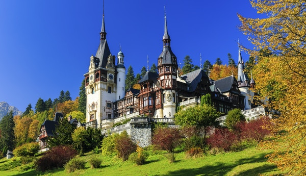 Istock 000052553626 Romania Sinaia Peles Castle