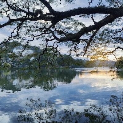 Istock 000081325569 Kandy Sri Lanka
