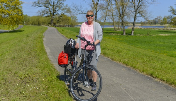 Getty Images 931446502 Tyskland Elben elv sykkel