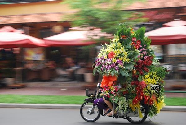 Istock 621857534 Vietnam Blomster Sykkel